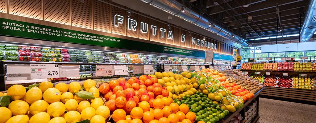 Risultati immagini per banco frutta supermercato